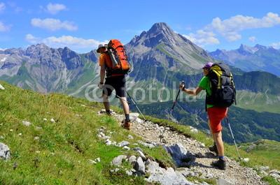 Paar_bei_Bergwanderung.jpg