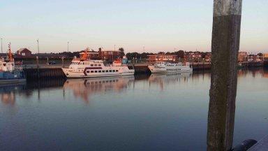 Fähre nach Langeoog im Hafen