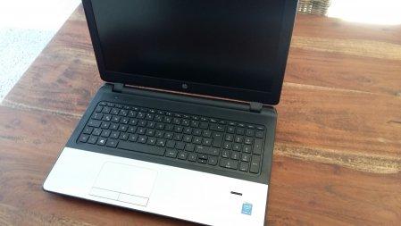 HP 350 G2 aufgeklappt