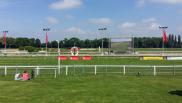 Blick auf Pferderennbahn Ziel