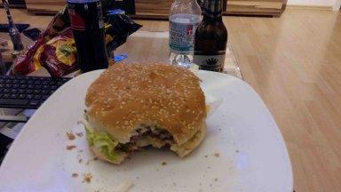 Burger beim Superbowl gucken