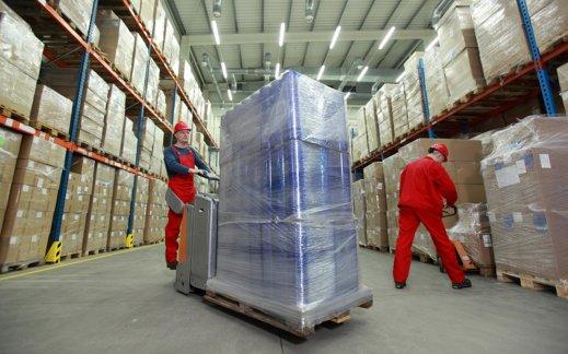 Flachfolien von HIMRICH in der Verpackungsindustrie – Hochregallager
