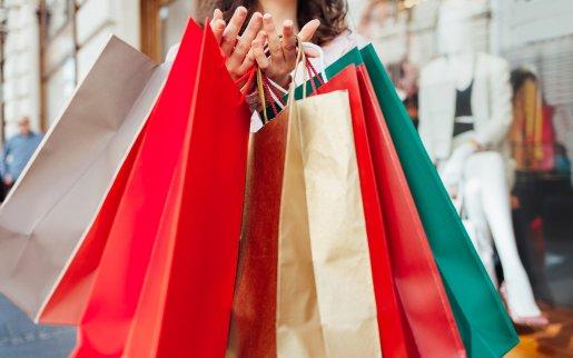 Tragetaschen aus PE und Papier für die Industrie und den Einzelhandel