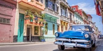 guy_hometravel_american_car_in_Havana_k_fotolia.jpg