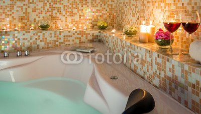 evening-romantic-bath-for-loving-couples.jpg