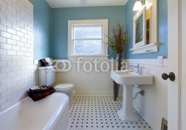 Antique_luxury_design_of_blue_bathroom.jpg