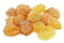Yellow_raisin_isolated_on_white.jpg