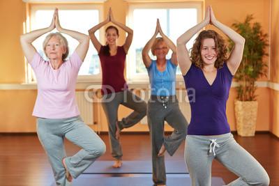 Yogakurs_im_Fitnesscenter.jpg