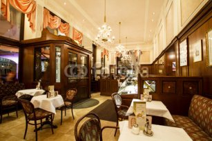 Mozart_coffee_house_interior_Vienna.jpg
