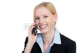 geschaeftsfrau_telefoniert_mit_smartphone.jpg