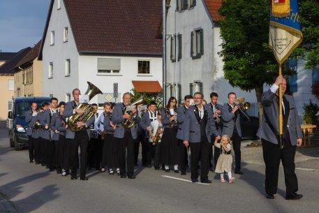01_Einmarsch_der_Musikkapelle_Benzingen.jpg
