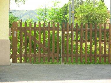 Palisadenzaun Holztraversen