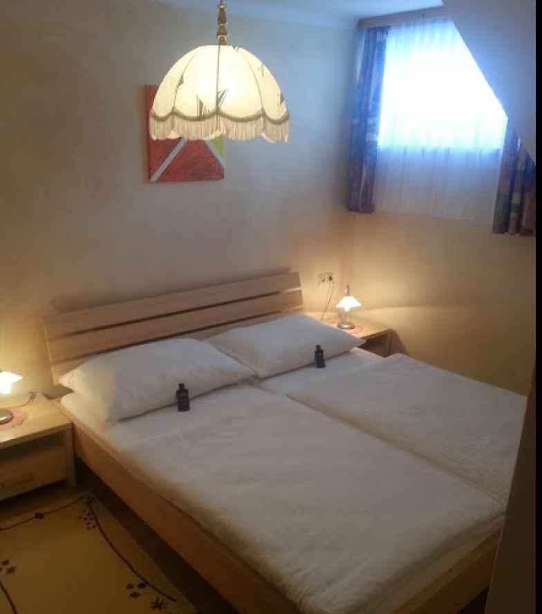 Zimmer-4-Schlafzimmer.jpg