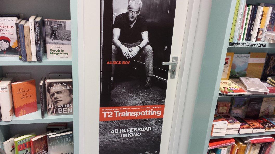 Buchladen am Kopernikusplatz,  Buch zum Film, hier beispielhaft Filmplakat T2 Trainspotting