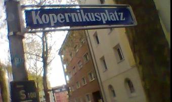 Buchladen am Kopernikusplatz : Strassenschild im Bild