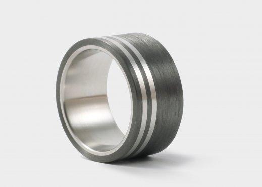 """Ring aus Carbon und Titan """"JULIETTE"""""""