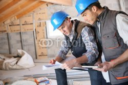 Construction_engineers_meeting_on_site.jpg