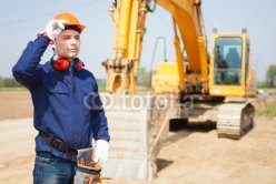 Man_at_work_in_a_construction_site.jpg