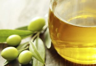 Olivenoel-in-Flasche-1000x900_3.jpg