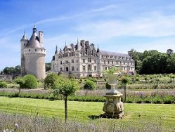 Chateau Chenonceaux Loire Valley