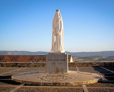 Estremoz Statue of Santa Rainha Isabel