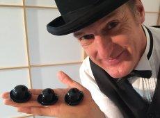 DER GROSSE BAGATELLO - Hütchenspieler und Walact Künstler