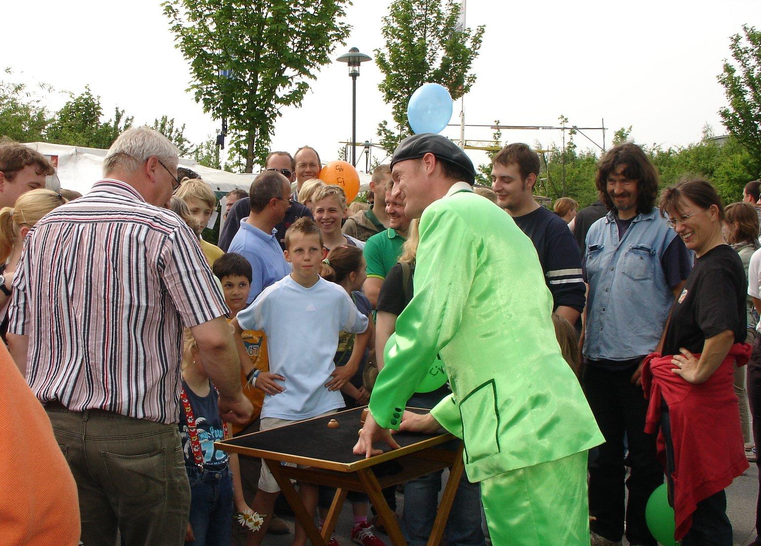 Hütchenspieler Straßenfest