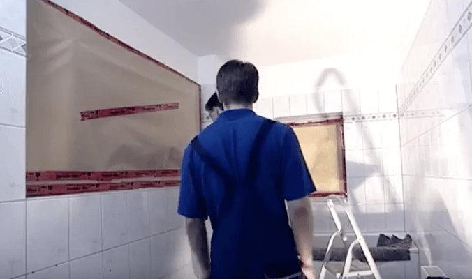 Klempner bei alltäglicher Arbeit