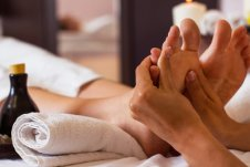 Massage-of-human-foot-in-spa-salon-Soft-focus_xs.jpg