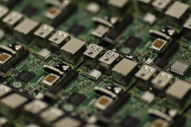 Unser Elektronotdienst repariert PC-Motherboards
