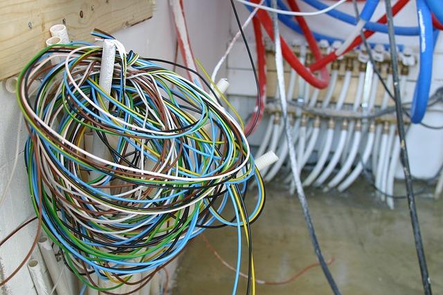 Rolle Stromkabel liegen bereit zum einziehen auf Bau