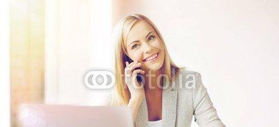 businesswoman_with_phone.jpg