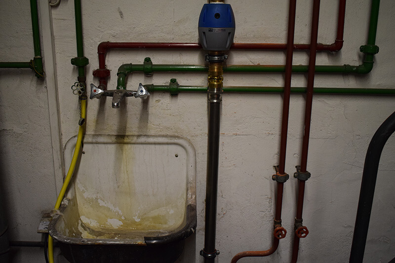 altes Rohrsystem im Keller in Dortmund