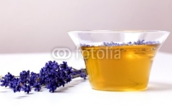 Arzneimittel_Lavendeltee_Lavendeloel.jpg