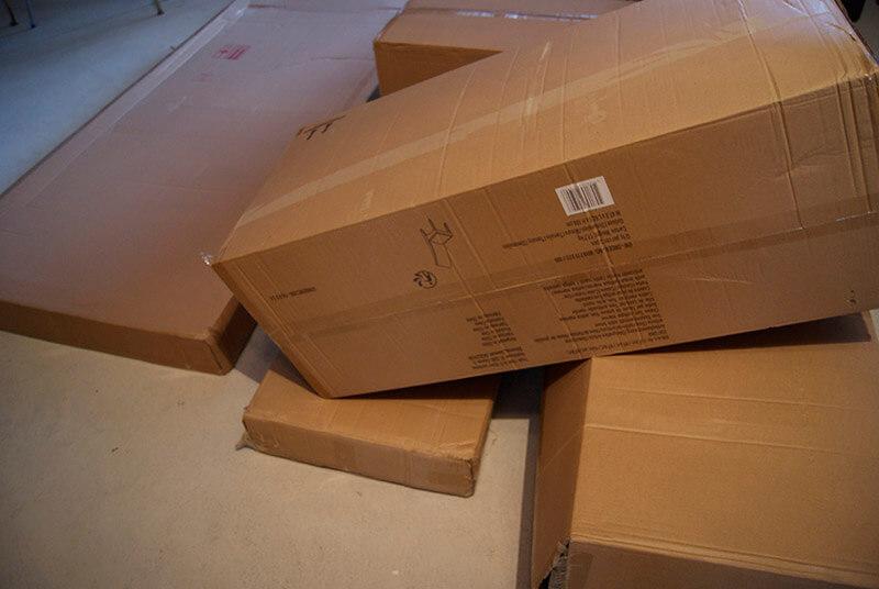 Kartons müssen dringend entsorgt werden