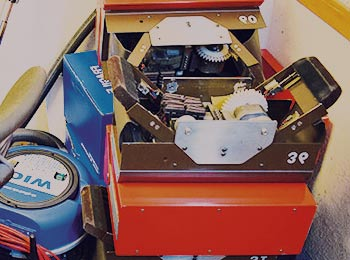 alte Maschinen, die nicht mehr funktionsfähig sind im Keller München
