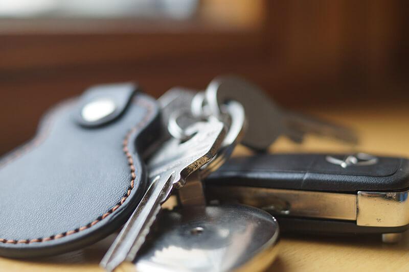 Schlüsselbund auf dem Tisch in Mönchengladbach
