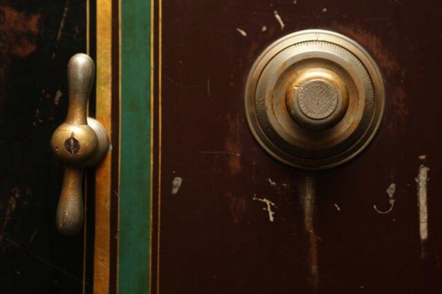 verkratztes Schlüsselloch