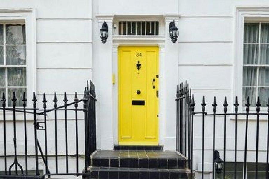 gelbe Haustüre