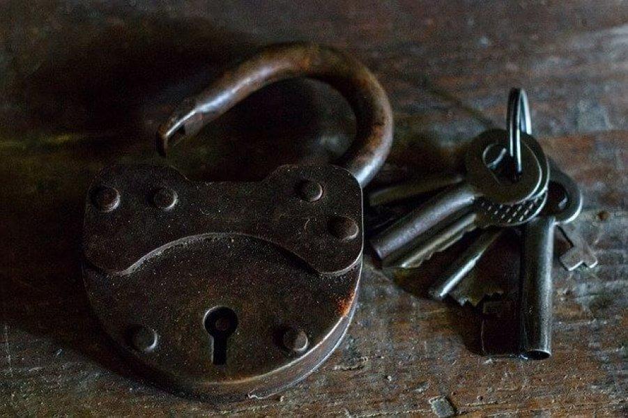 altes Schloss mit Schlüsseln