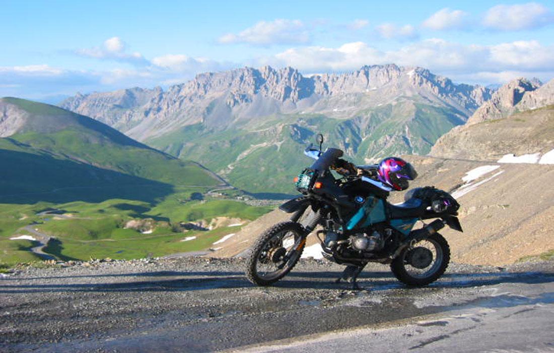 BMW R100 GS in den französischen Alpen