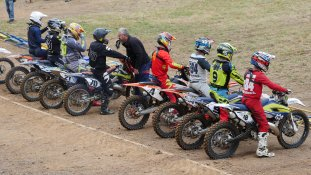 Motocrosser vor dem Start