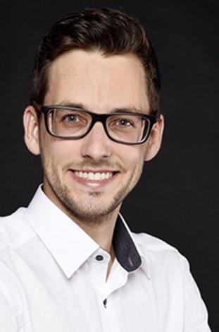 Fotograf-Basel-Business7-Portrait-Mitarbeiterportrait-Baselland_13.jpg