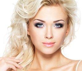Beautiful-blond-woman-with-long-hair_2.jpg