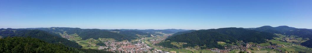 Blick vom Aussichtsturm Urenkopf auf Haslach