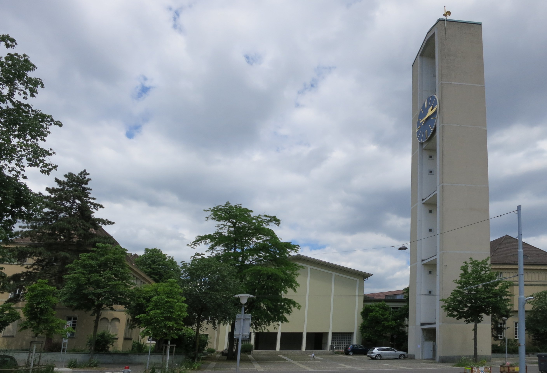 Evgl. Kirchgemeinde Bullinger / Fenster und Fassade