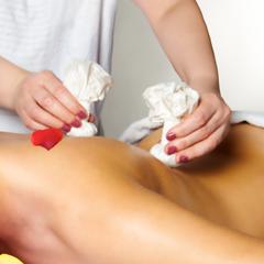kraeuter-massage.png