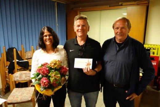 Andrea und Gerd Breuninger, Vereinsvorsitzender Klaus Mayer