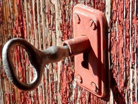 rotes Türschloss