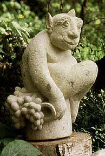 Gartenskulptur Der Satyr, aus Tuffstein, 60 cm hoch